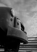 Rusty Bumper - BW